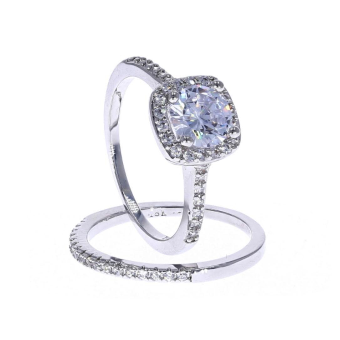 focus-stacked-diamond-ring-360-example-thumbnail